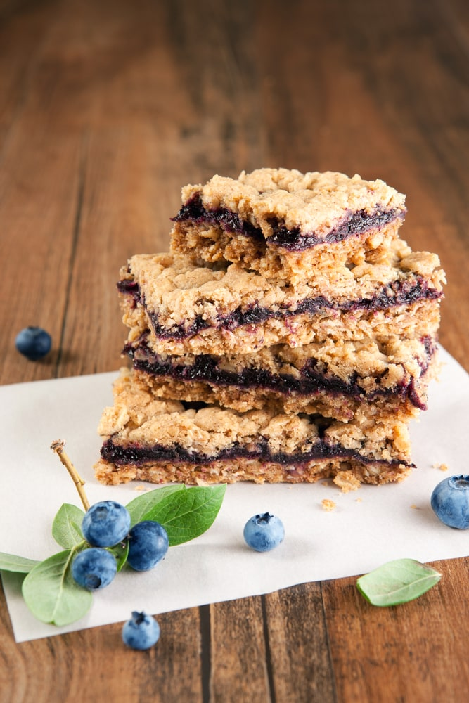 Blueberry Crumble Bars: Katie Bugbee Recipe/ExtraordinaryMommy.com