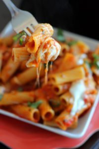 one-skillet-chicken-mozzarella-pasta-3