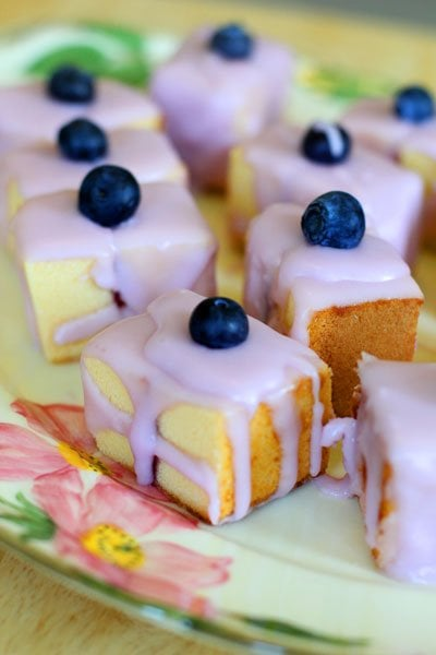 How to Host Summer Bridal and Baby Showers - Mini Layer Cakes