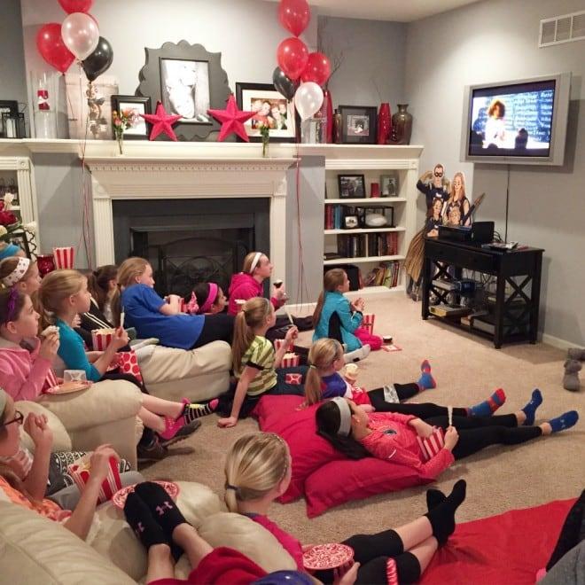 AnnieMovie Girls Watching