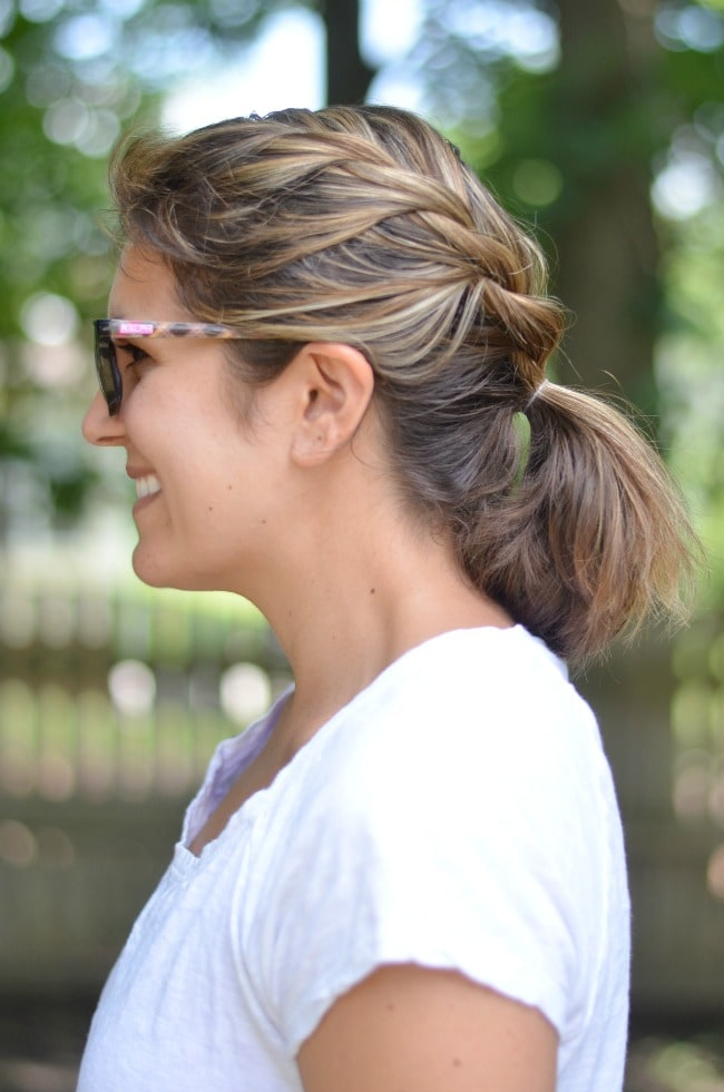 summer hair ideas: twisted pony