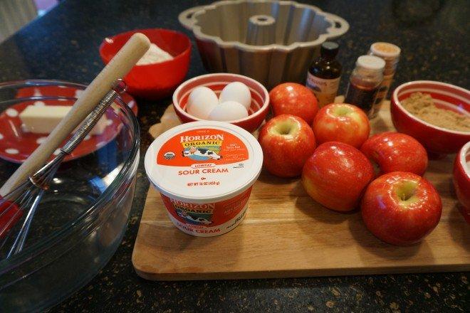 Sour Cream Apple Crumb Cake Horizon Ingred