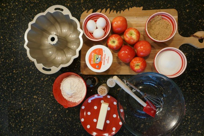 Sour Cream Apple Crumb Cake Ingredients2