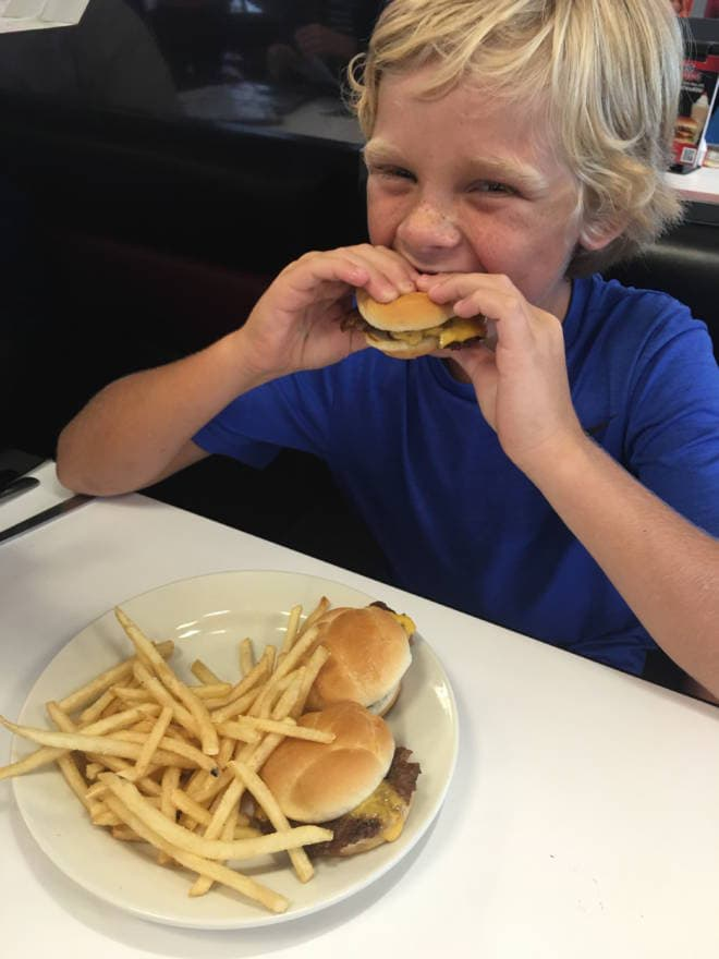 New 24 Meal Under $4 Menu Makes Steak n' Shake Extra Family Friendly: Cooper Eating
