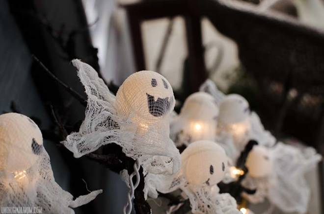 7 Tips to Create Halloween Decor to Die For - Ping Pong Halloween Ghost Lights - UnoriginalMom