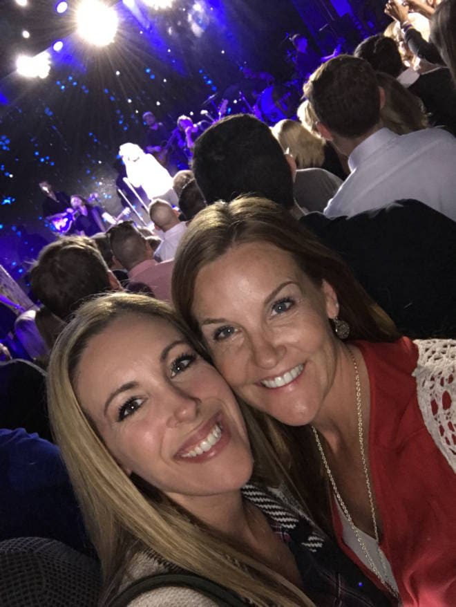 #HelloVista Introducing the Carnival Vista to the World with Carrie Underwood - Danielle and Vera Concert