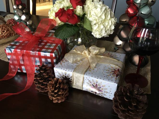Host an Easy and Fun Girlfriends' Holiday Gift Exchange - Choose a theme