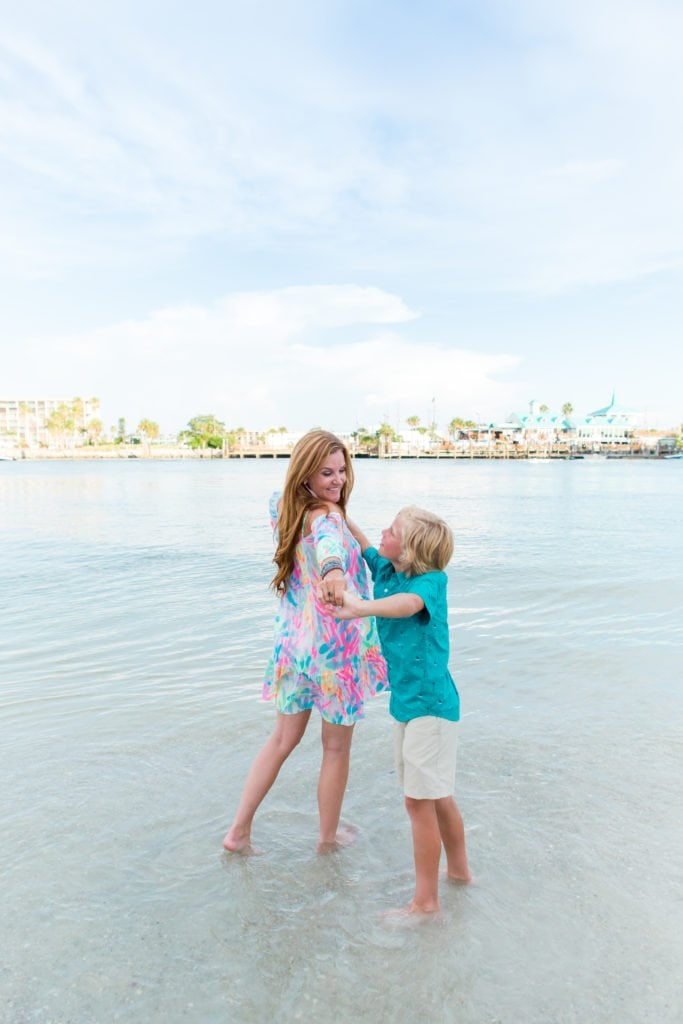 If I Could Only Have One Dress....Lilly Pulitzer Allana Cold Shoulder Dress - Flytographer Family Photo | PrettyExtraordinary.com