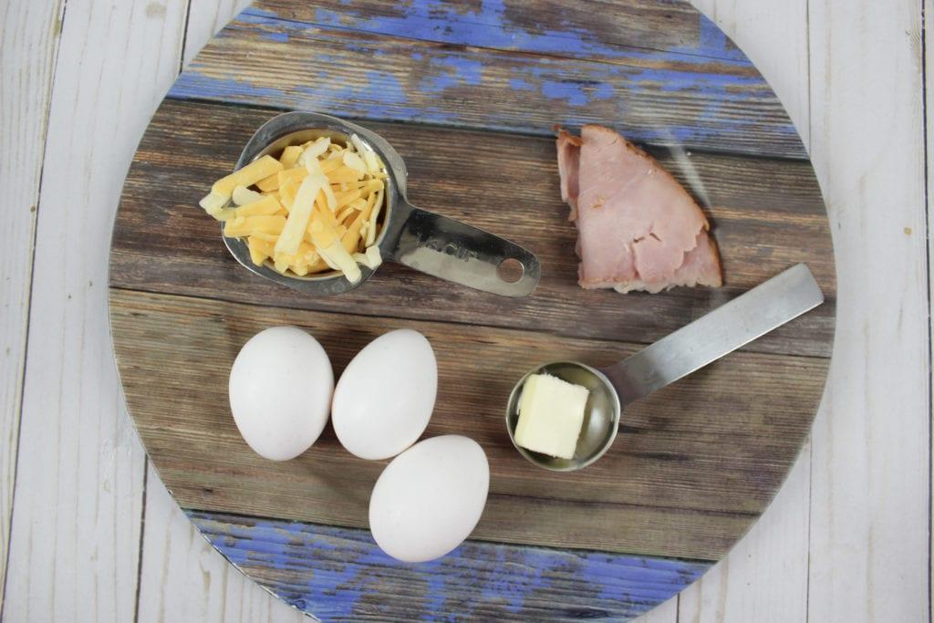 Easy Breakfast Recipe: Omelet in a Mug