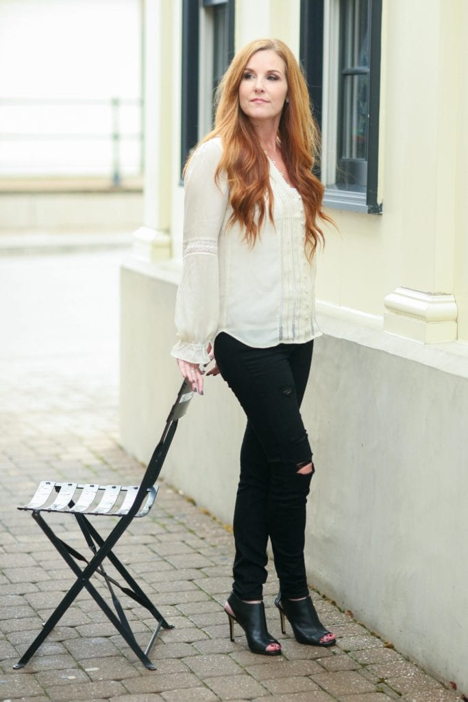 Winter Fashion: Go Neutral // PrettyExtraordinary.com
