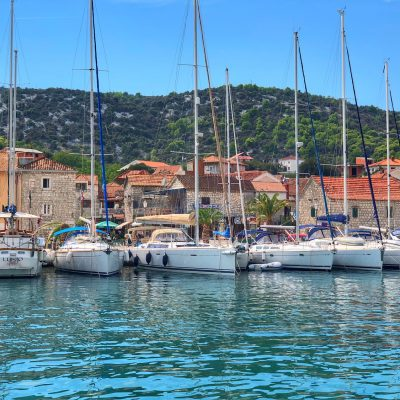 10 Ways to Stay Organized While Traveling - Split Croatia