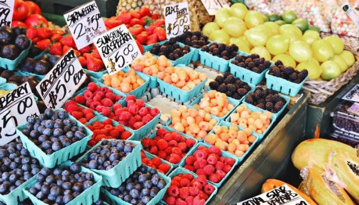 A Summer Guide to the Farmer's Market